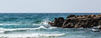 Mar e rochas Foto de Stock Royalty Free