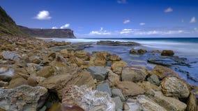 Mar e rochas em pouca cabeça de Garie no parque nacional real, perto de Sydney, NSW, Austrália fotografia de stock royalty free
