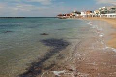 Mar e Sandy Beach em outubro Santa Marinella, Itália imagem de stock