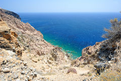 Mar Egeu na ilha de Santorini em Grécia Fotografia de Stock