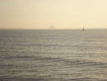 Mar en el amanecer imagen de archivo