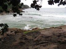 Mar en Trindade - Paraty RJ Imagenes de archivo