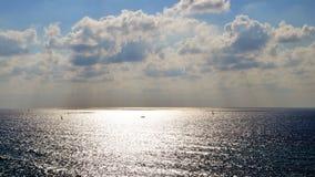 Mar en verano fotos de archivo