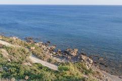 Mar grande y tropical de la turquesa del punto álgido en día soleado hermoso Imagen de archivo libre de regalías