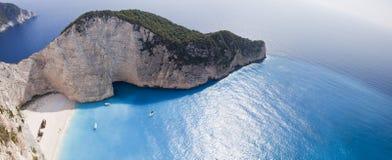 Mar Ionian da praia de Navagio Imagens de Stock