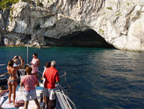 Mar Ionian e caverna azuis, viagem do barco da ilha Foto de Stock