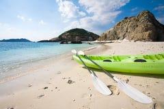 Mar-kajak en la playa en Okinawa Imagenes de archivo