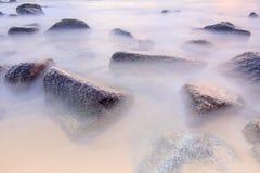 Mar liso da manhã Imagens de Stock