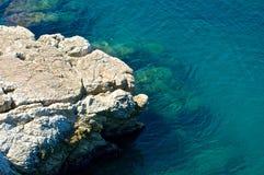 Mar Mediterráneo azul claro Fotos de archivo