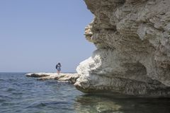 Mar Mediterráneo El blanco oscila cerca de la playa del ` s del gobernador imagen de archivo