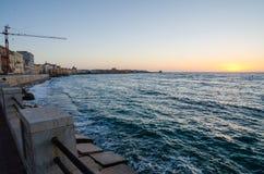 Mar Mediterráneo en el Trapan, Sicilia Imagen de archivo