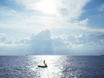 Mar Mediterráneo en la puesta del sol Imágenes de archivo libres de regalías
