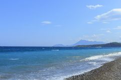 Mar mediterrâneo de turquesa em Kiris, Turquia Fotografia de Stock