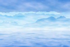 Mar, montanhas e céu fotografia de stock