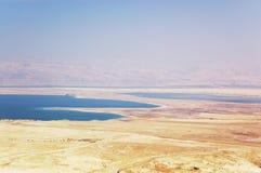 Mar muerto y deset de Judea imagenes de archivo
