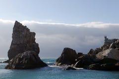 Mar Nero, roccia della vela, castello inghiotte il nido Fotografia Stock