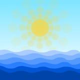 Mar, ondas y fondo de Sun Foto de archivo libre de regalías