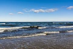 Mar ondulado Fotos de archivo libres de regalías