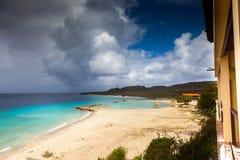 Mar - opiniones alrededor de la isla caribeña de Curaçao fotografía de archivo