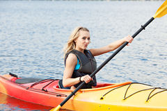 Mar que Kayaking Imagem de Stock Royalty Free