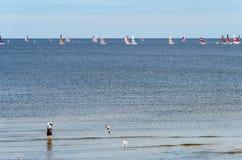 Mar raso da estância turística de Jurmala, Letónia Fotografia de Stock