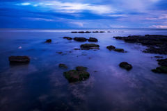 Mar, rocas, rottingdean, Brighton Imagenes de archivo