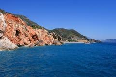 Mar, rocha e céu Fotos de Stock