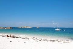 Mar, rocha e praia Foto de Stock