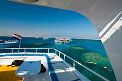 Mar Rosso che naviga usando una presa d'aria Immagini Stock