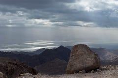 Mar Rosso dalle montagne rocciose Fotografia Stock Libera da Diritti