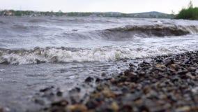Mar sucio después de una tormenta almacen de metraje de vídeo