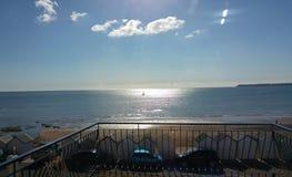 Mar Sun y balcón Fotos de archivo libres de regalías