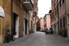 Mar tirreno, Sorano, Grosseto, Toscana, Italia: callejón en la ciudad vieja fotos de archivo