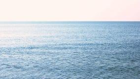 Mar tranquilo de la mañana almacen de metraje de vídeo