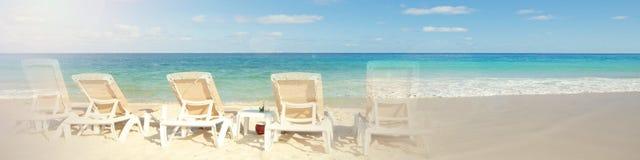 Mar tropical de la playa Foto de archivo libre de regalías