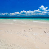 Mar tropical del día Fotos de archivo libres de regalías