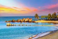 Mar tropical del paisaje de la salida del sol Imágenes de archivo libres de regalías