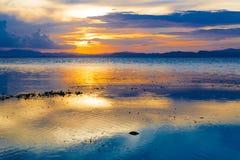 Mar tropical do por do sol Foto de Stock
