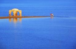 Mar Vermelho com mesquita velha Imagem de Stock