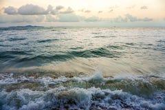 Mar, vintage uma foto e cores pastel macias da onda foco do solf Foto de Stock Royalty Free