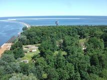 Mar y bosque del cie del› de ÅšwinoujÅ en Polonia Fotos de archivo libres de regalías