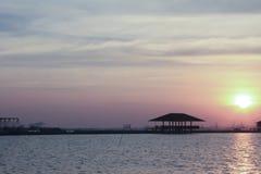 Mar y cielo en la puesta del sol Imagenes de archivo