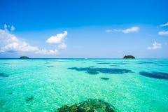 Mar y cielo hermosos en verano 6 Foto de archivo libre de regalías