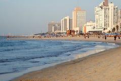 Mar y ciudad Foto de archivo libre de regalías