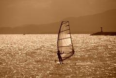Mar y el practicar surf Foto de archivo