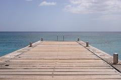 Mar y embarcadero de la isla de Martinica Imágenes de archivo libres de regalías