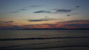 Mar y esquemas de montañas almacen de metraje de vídeo