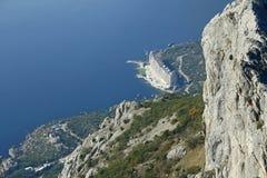 Mar y montaña Fotos de archivo