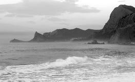 Mar y montaña Imágenes de archivo libres de regalías