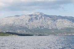 Mar y montaña Imagenes de archivo